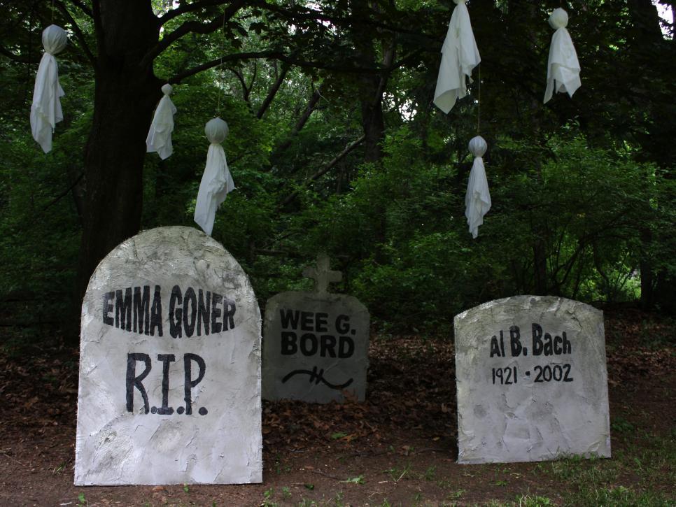 use spooky tombstones