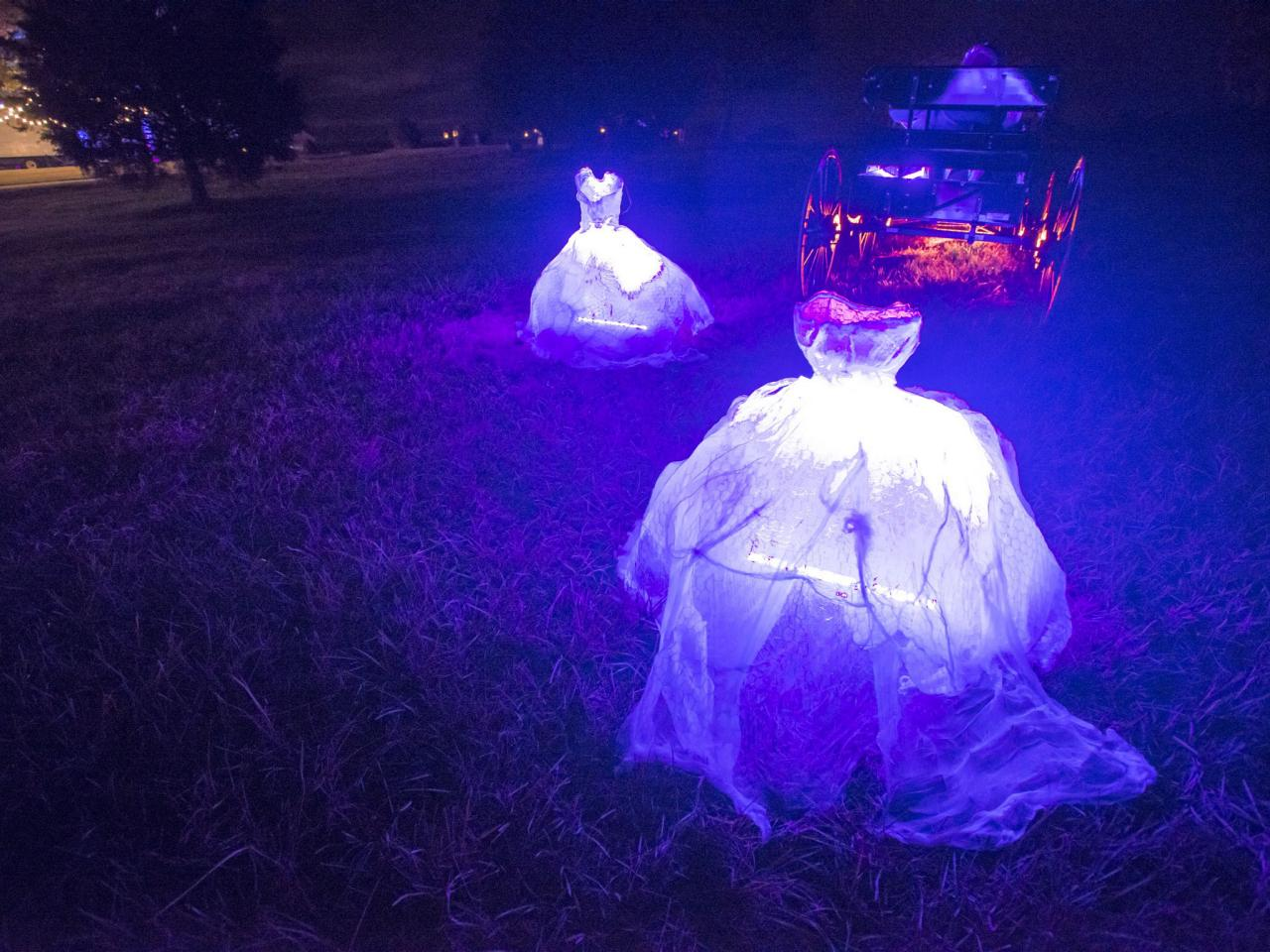scary-glowing-ghosts
